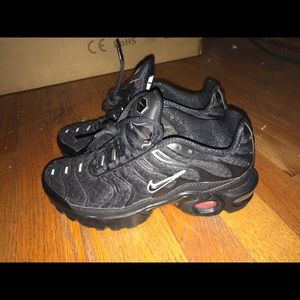 NIKE AIR MAX PLUS (NEW)